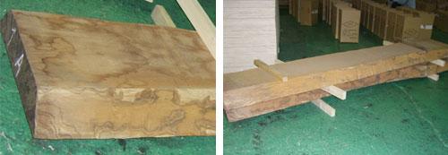 調査中の木材